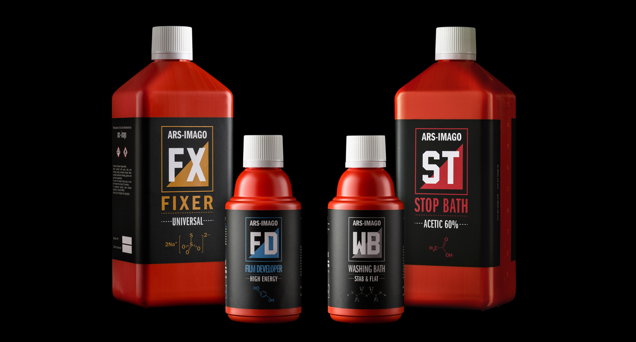 Il packaging progettato per gli ars-imago chemicals: Stop Bath, Washing Bath, Film Developer e Fixer